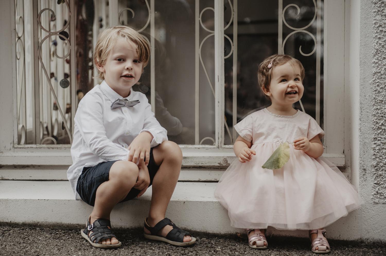 Les enfants avant la cérémonie du mariage.