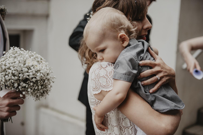 Mariage intimiste en famille.