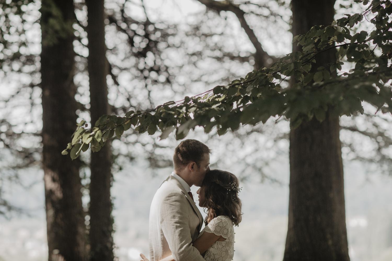 Mariage bohème et nature dans les bois, vintage.