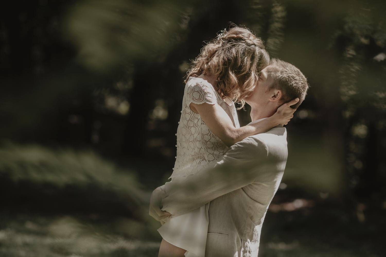 mariage dans la forêt.