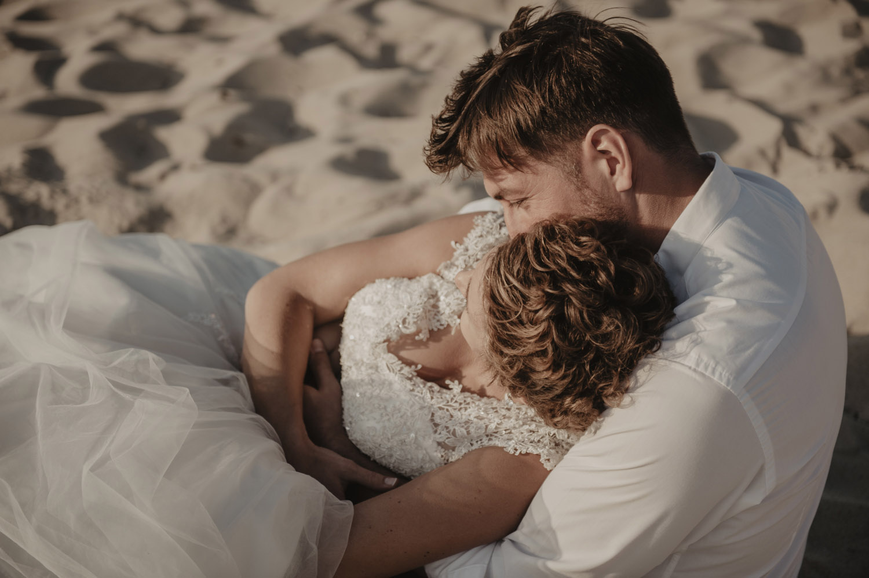 séance couple intimiste sur la plage