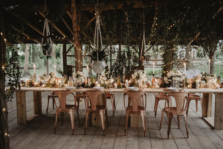Mariage industriel et végétal dans les bois, Coco Barn Wood Lodge, Seignosse, Hossegor, Biarritz. Mariage écoresponsable par la wedding planner Drougartevent Biarritz et Rodolphe le fleuriste.
