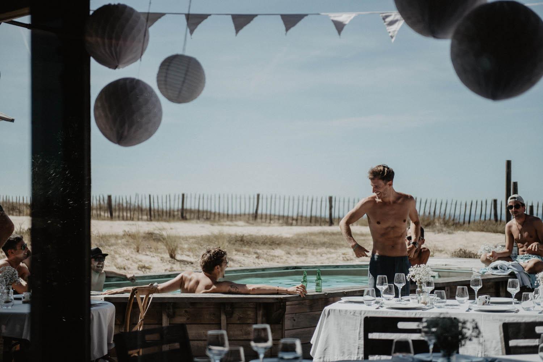 Mariage alternatif au bord de la piscine, photographe Aquitaine, Pau et Bordeaux