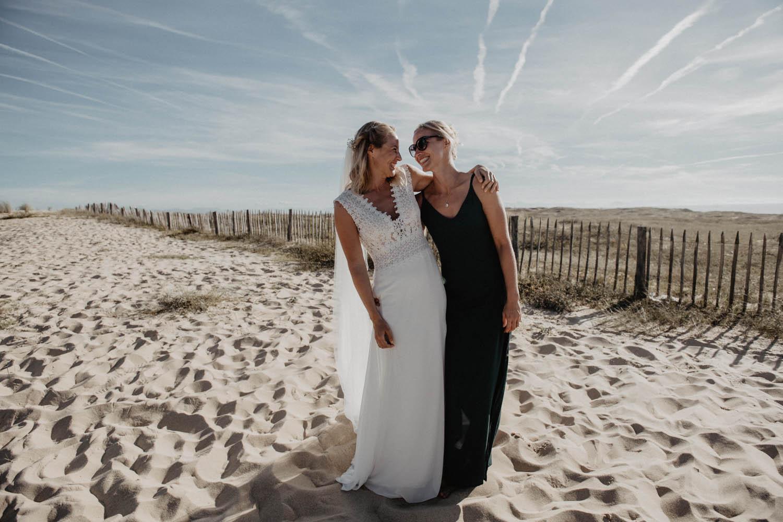 Séance photo couple et groupe mariage sur la plage. Photographe professionnel Pau, Hossegor, Capbreton, Landes. Aquitaine.