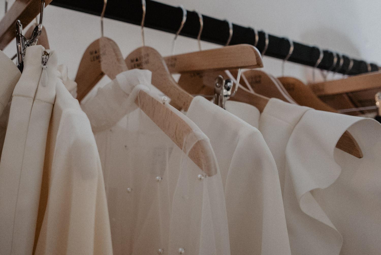 Détail de matière de robe de mariée, photographe Aquitaine. Mariage Pau, Bordeaux, Biarritz.