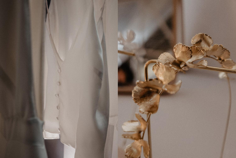 Robe de mariée en satin et couronne dorée pour une mariée bohème, mariage authentique en Aquitaine, photographe mariage Pau, Biarritz, Bayonne, Hossegor.
