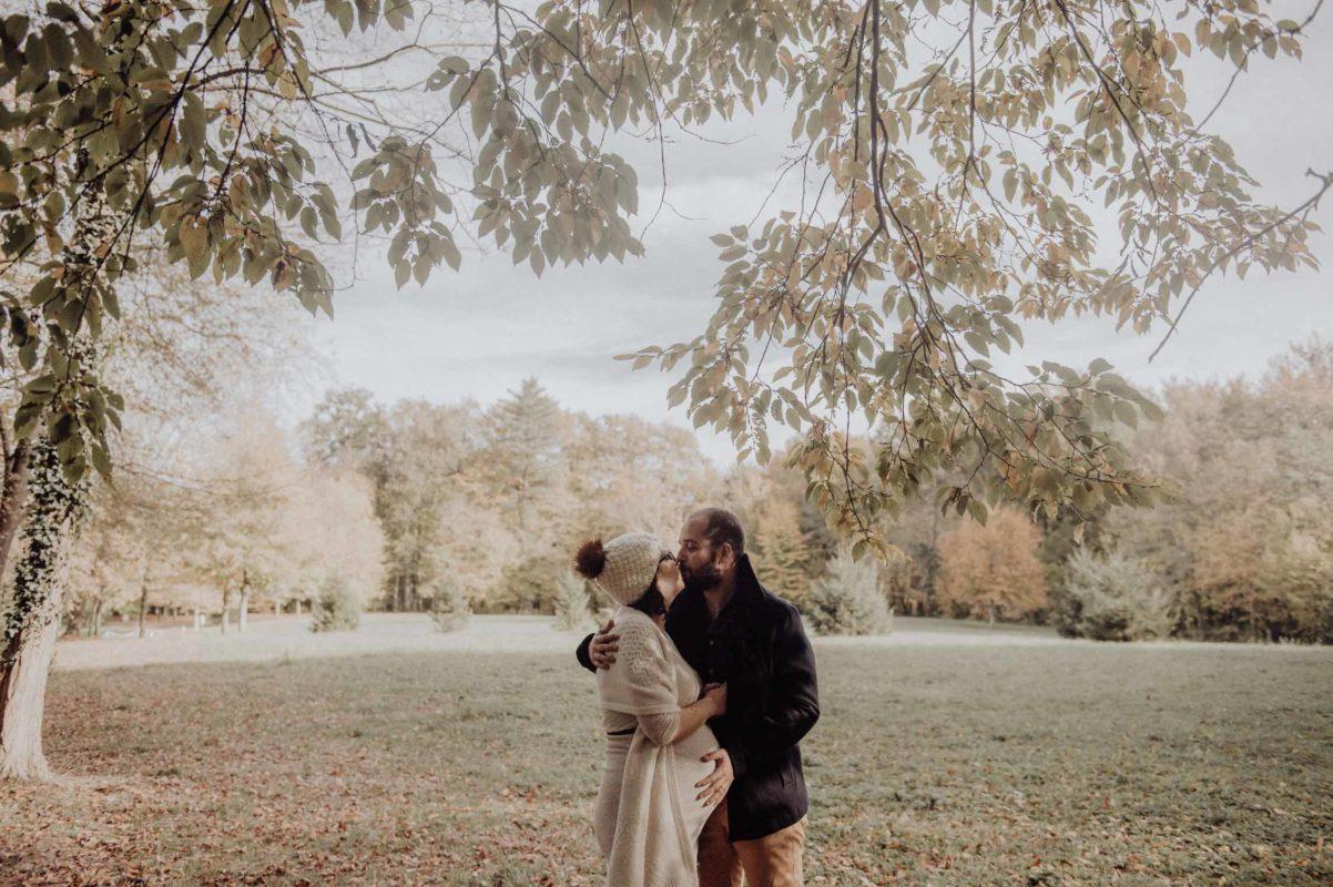 photo inspiration photographe mariage pau pays basque landes seance grossesse maternité couple lifestyle, hiver