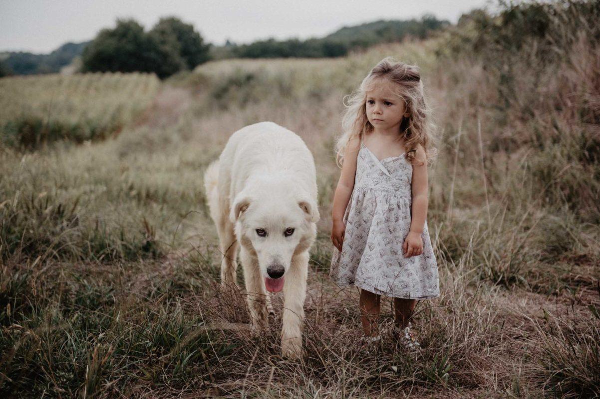 photographe mariage pau pays basque landes seance grossesse maternite enfant portrait avec son chien