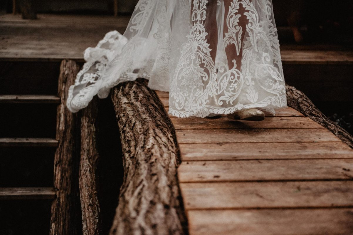 Coco Barn Wood Lodge mariage folk dans le cabanes en bois brut, esprit folk, photographe Pau 64