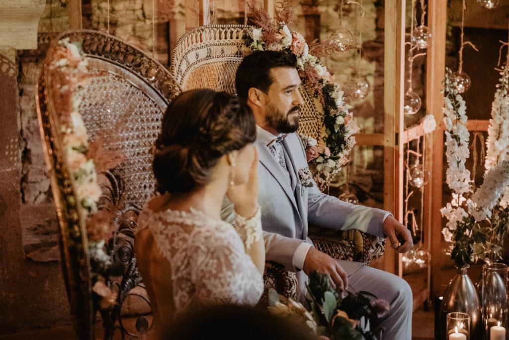Emotions, Cérémonie laïque dans une Salle de réception atypique, verrière ancienne, mariage sous la pluie, Domaine de Lucain, 64, Pau, Aquitaine