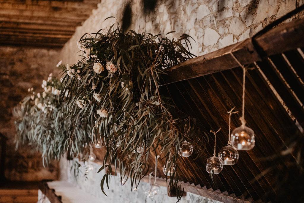 Déco végétale, Cérémonie laïque dans une Salle de réception atypique, verrière ancienne, mariage sous la pluie, Domaine de Lucain, 64, Pau, Aquitaine