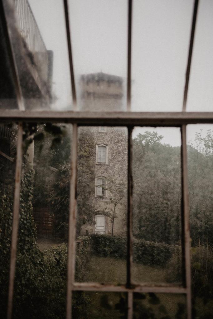 Lieu atypique pour un mariage romantique, pigeonnier et verrière, mariage sous la pluie, Pau 64000