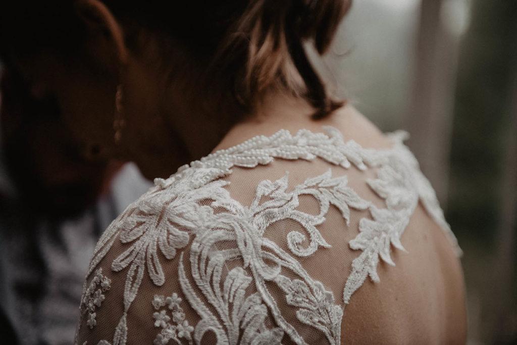 Détail de la robe de mariée Angeola Biarritz, mariage romantique