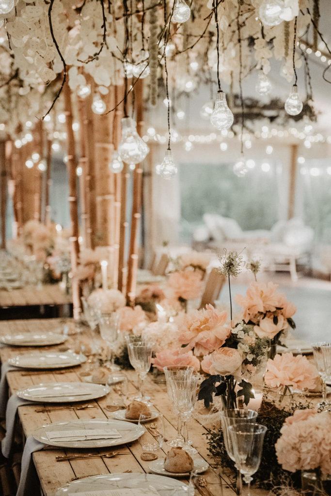 mariage deco chapiteau guirlande